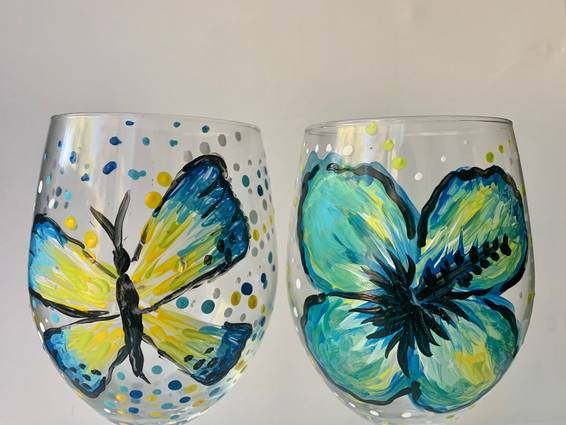 A Butterfly and Hibiscus Wine Glasses experience project by Yaymaker