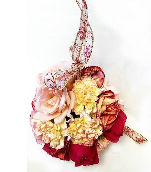 A Pomander Floral Ball experience project by Yaymaker