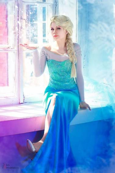 A Paint with Elsa experience project by Yaymaker