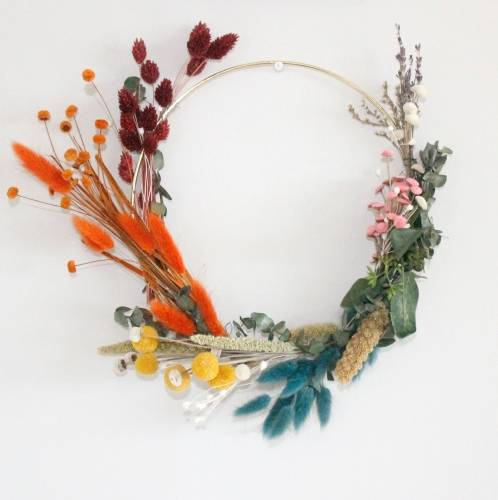 A Rainbow Dried Floral Hoop Wreath II experience project by Yaymaker
