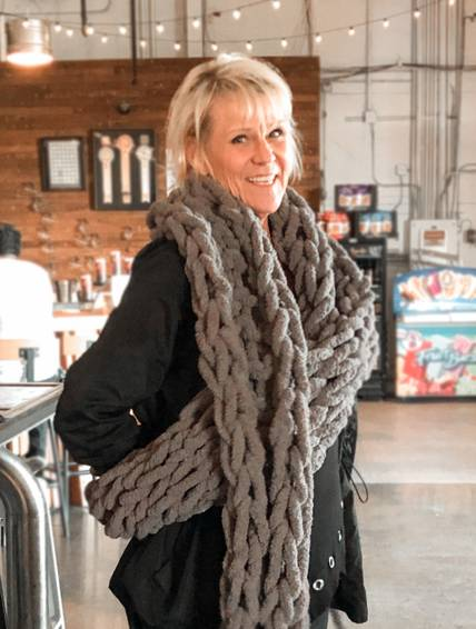 A Chunky Knit Scarf experience project by Yaymaker
