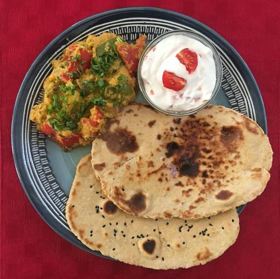 A Bell Pepper Masala Curry and Naan bread   Vegetarian experience project by Yaymaker