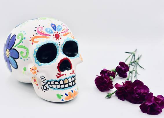 A Ceramic Skull Flowers experience project by Yaymaker