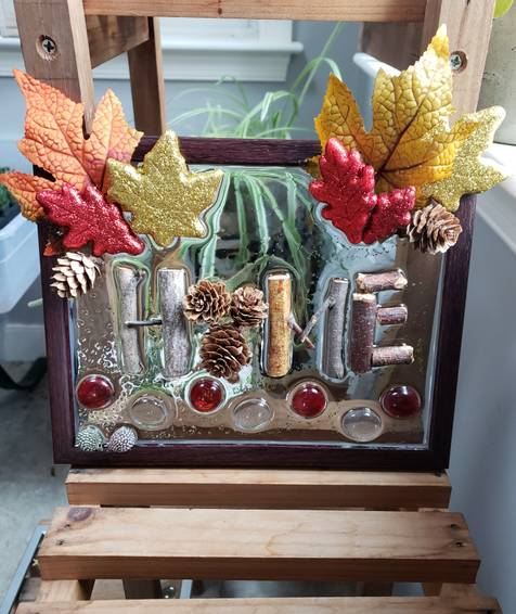 A Rustic resin art collage experience project by Yaymaker
