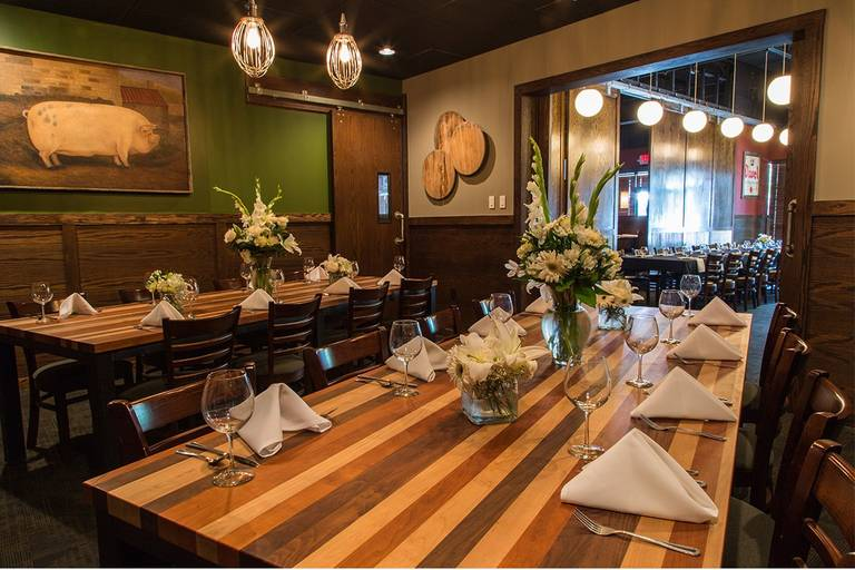 A photo of a Yaymaker Venue called Barley's Kitchen + Tap located in Overland Park, KS