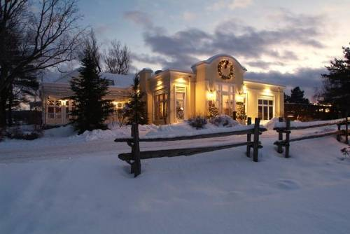 A photo of a Yaymaker Venue called Auberge West Brome located in West Brome, QC