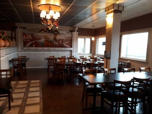 A photo of a Yaymaker Venue called Golphis Steak and Lobster located in New Westminster, BC