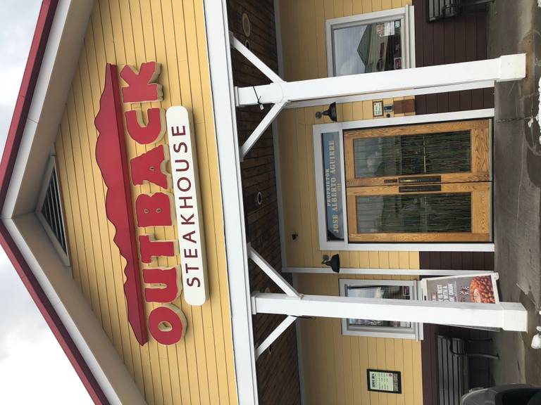 A photo of a Yaymaker Venue called Outback Steakhouse (Lindenhurst) located in Lindenhurst, NY