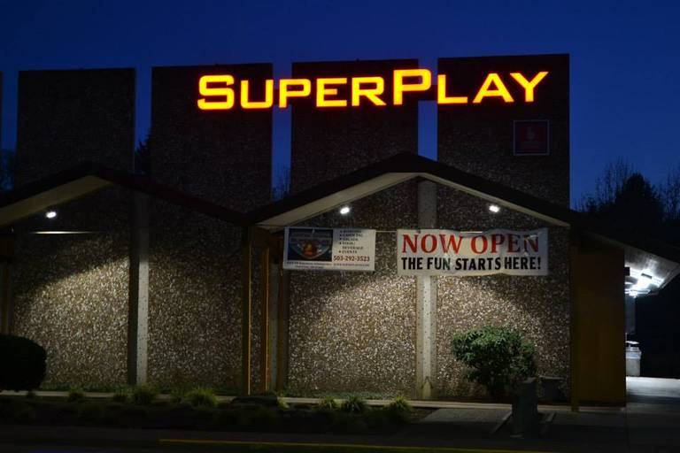 A photo of a Yaymaker Venue called SuperPlay located in Beaverton, OR