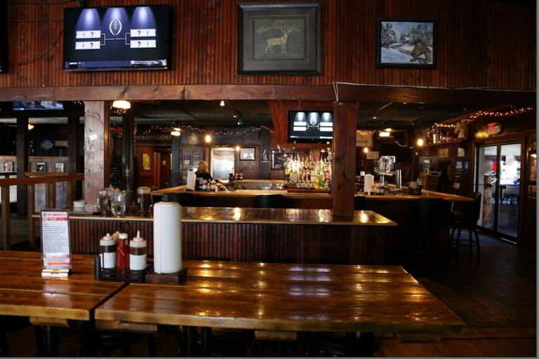 A photo of a Yaymaker Venue called Country Club BBQ located in Peoria, IL