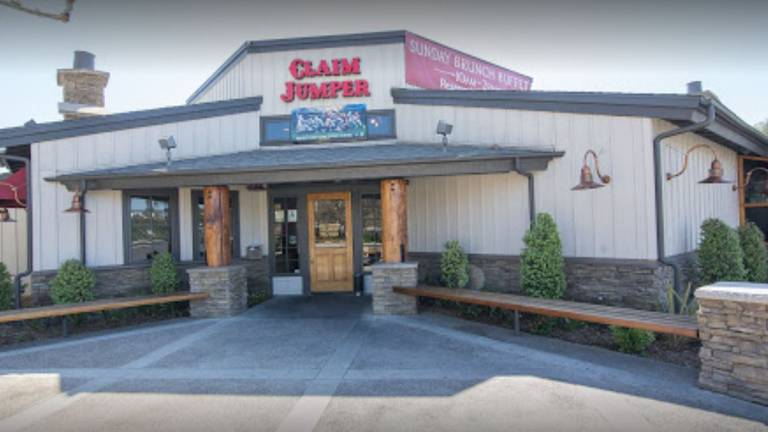 A photo of a Yaymaker Venue called Claim Jumper Monrovia located in Monrovia, CA