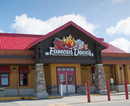 A photo of a Yaymaker Venue called Famous Dave's located in winnipeg, MB
