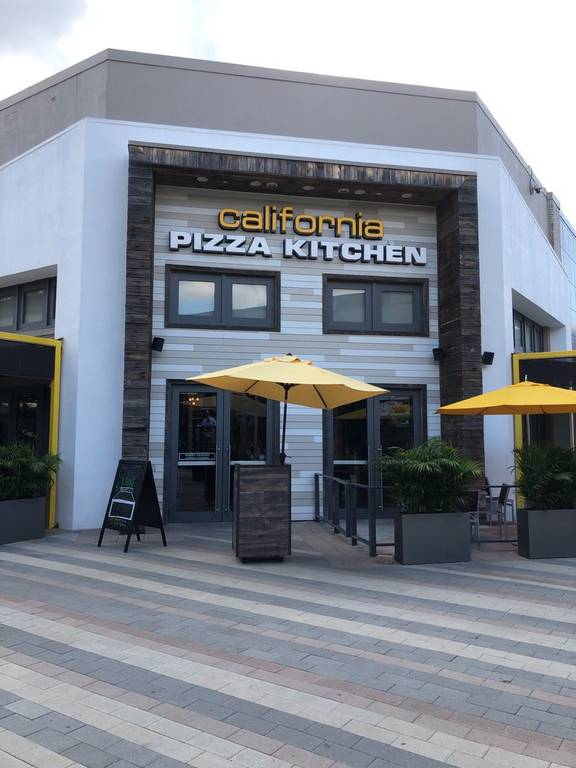 A photo of a Yaymaker Venue called California Kitchen Pizza (Sawgrass Mills) located in Sunrise, FL