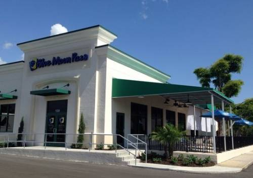 A photo of a Yaymaker Venue called Blue Moon Pizza - Ft. Myers located in Fort Myers, FL