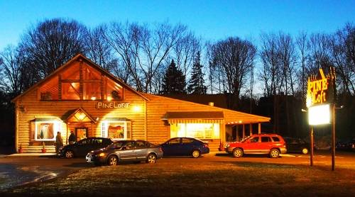 A photo of a Yaymaker Venue called Pine Loft Pizzeria & Cafe located in Berlin, CT