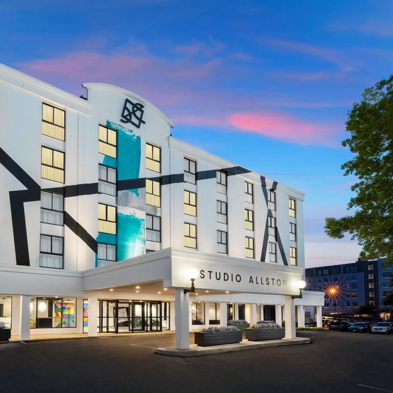 A photo of a Yaymaker Venue called Studio Allston Hotel located in Allston, MA