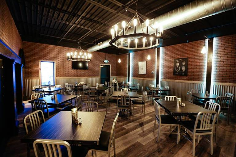 A photo of a Yaymaker Venue called Edison Pub & Eatery located in Cedar Rapids, IA