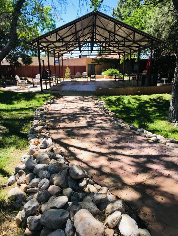 A photo of a Yaymaker Venue called B2B Garden Brewery located in Albuquerque, NM