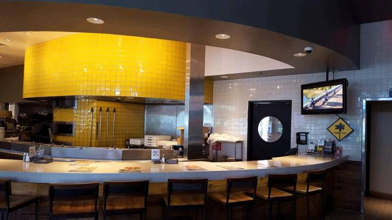 A photo of a Yaymaker Venue called California Pizza Kitchen (Ft Lauderdale) located in Ft. Lauderdale, FL