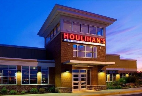 A photo of a Yaymaker Venue called Houlihan's located in Front Royal, VA