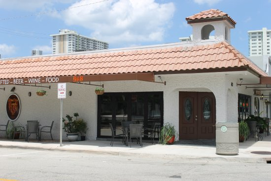A photo of a Yaymaker Venue called Bar Red Beard located in Fort Lauderdale, FL